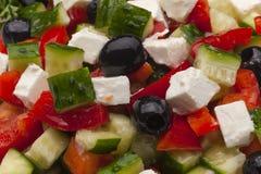 Griechischer Salat mit vielen Bestandteilen Lizenzfreies Stockbild