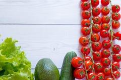 Griechischer Salatzusammenfassungsrahmen des Gemüses stockfoto