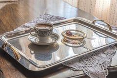 Griechischer türkischer Kaffee mit Löffelbonbon Lizenzfreies Stockfoto