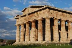 Griechischer Tempel in Paestum Stockfotografie