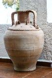 Griechischer Vase im Innenraum Lizenzfreie Stockfotografie