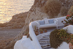 Griechisches Haus auf Küstenlinie Stockbilder