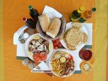 Griechisches Tabellenset Stockbild