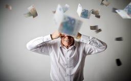 grief Ancião no branco e no Euro de queda Conceito da retirada fotos de stock royalty free