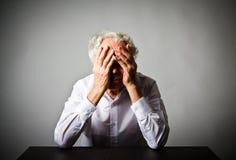 grief Ancião nos pensamentos imagens de stock royalty free