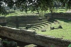 Griego Paestum Italia del teatro Fotografía de archivo libre de regalías