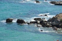Grieken, overzeese kust, golven op zee stock foto