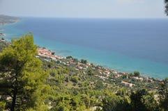 Griekenland, mening van het dorp van de berg stock fotografie