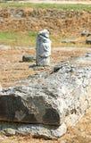 Grieks archaïsch die standbeeld in oude Dion van Katerini-stad in n wordt gevonden Royalty-vrije Stock Foto's