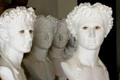 Griekse beeldhouwwerken stock foto's