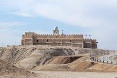 Griekse die kerk dichtbij de Doopplaats van Jesus Christ - Qasr Gr Yahud in Israël wordt gebouwd Royalty-vrije Stock Foto