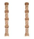 Griekse klassieke die kolom twee op witte achtergrond wordt geïsoleerd Royalty-vrije Stock Afbeeldingen