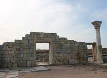 Griekse kolommen en boog, Chersonese, de Krim Royalty-vrije Stock Afbeeldingen