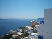 Griekse kust in Santorini Stock Afbeeldingen