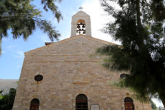 Griekse Orthodoxe Basiliek van Heilige George in stad Madaba, Jordanië Stock Fotografie