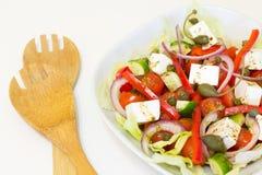 Griekse salade met kappertjes Royalty-vrije Stock Afbeelding