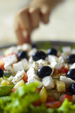 Griekse salade in ondiepe diepte van gebied Stock Foto's