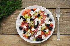 Griekse Salade op een plaat Stock Foto