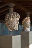 Griekse standbeelden in museum van Akropolis in Athene, Griekenland Stock Foto's