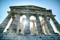 Griekse tempel op het archeologische gebied van Paestum Italië Royalty-vrije Stock Afbeeldingen