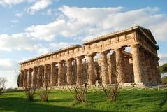 Griekse tempel in Paestum Stock Afbeelding