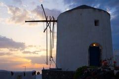 Griekse windmolen in Santorini Royalty-vrije Stock Afbeeldingen