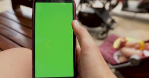 Grieta de la pantalla del teléfono del borde almacen de metraje de vídeo