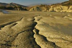 Grietas espectaculares Textured en suelo estéril. Fotografía de archivo