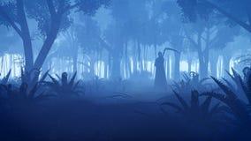 Griezelig nachtbos met onverbiddelijk maaimachinesilhouet stock afbeelding