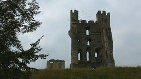 Griezelig oud kasteel bij schemer - Yorkshire - Engeland Royalty-vrije Stock Foto