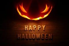 Griezelige Halloween-achtergrond met hefboomo lantaarn Stock Afbeelding