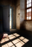 Griezelige zolderruimte Stock Afbeeldingen