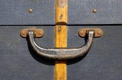Griff auf einem alten Koffer Stockfotografie