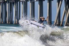 Griffin Colapinto Surfing en el US Open de las furgonetas de practicar surf 2018 foto de archivo libre de regalías