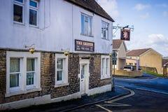 Griffin Pub mjölkar in gatan, Frome, Somerset royaltyfri foto