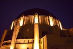 Griffith Observatory Planetarium bij Schemer stock fotografie