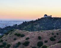 Griffith Park Observatory au crépuscule photographie stock libre de droits