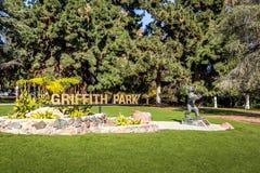 Griffith parka znak i niedźwiedź statua - Los Angeles, Kalifornia, usa Fotografia Stock
