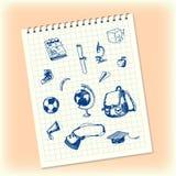 Griffonnages dans un carnet Objets tirés par la main d'école Cartable, pomme, banane, globe, chapeau scolaire carré, microscope,  Image stock