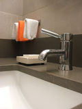 Grifo del cuarto de baño Fotos de archivo libres de regalías