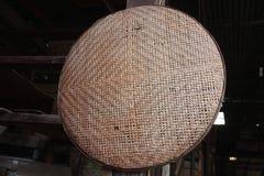 Griglia alla fabbrica di legno del mulino immagini stock