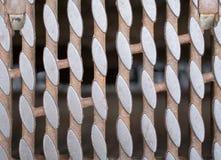 Griglia arrugginita dello scolo del ferro Immagini Stock Libere da Diritti