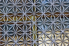 Griglia decorativa sulla finestra immagini stock libere da diritti
