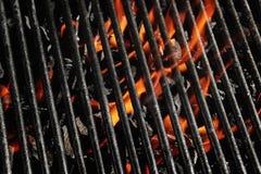 Griglia del fuoco del carbone di legna Immagini Stock Libere da Diritti