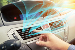 Griglia di sintonia di ventilazione dell'aria della mano del driver Immagini Stock