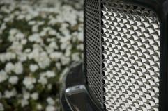 Griglia lucida dell'automobile immagini stock