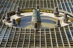 Griglia vuota classica della fontana Fotografie Stock