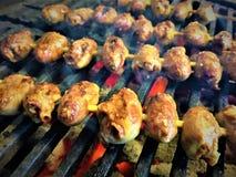 Grigliare i cuori del pollo marinati asiatico Immagine Stock Libera da Diritti