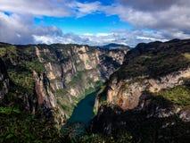 Grijalva-Fluss, Sumidero-Schlucht, Mexiko lizenzfreie stockbilder