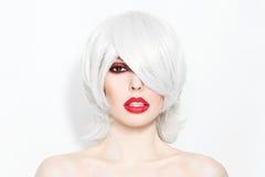 Grijs haar en rode lippenstift royalty-vrije stock afbeeldingen